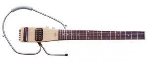 La TheBone Cruiser II est une guitare de voyage démontable, très pratique et qui sonne bien compte tenu du peu de bois sur le corps !