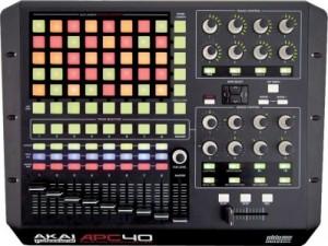 L'APC 40 d'Akaï est sans doute le meilleur exemple de surface de contrôle dédiée. Elle colle parfaitement au séquenceur et ne nécessite pas de configuration fastidieuse.