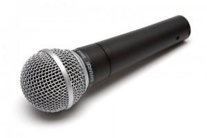 Qu'on aime ou pas le SM58, on reconnaîtra que c'est LE grand classique du micro chant pour la scène.
