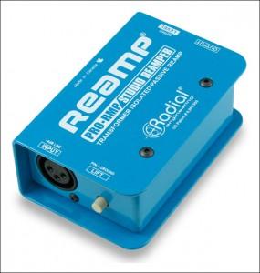 La ré-amplification est un outils très efficace pour retravailler le son et faire des essais vraiment comparables sur différents amplis, effets et cabs.