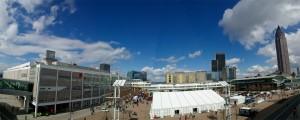 La vue panoramique du Musikmesse de la terrasse du bâtiment 3
